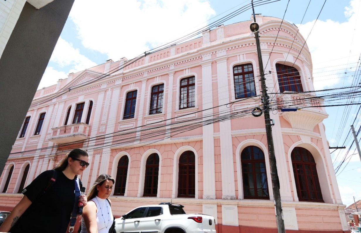 UEPG ganha edital de R$10,5mi para restauro da sede histórica do Museu Campos Gerais