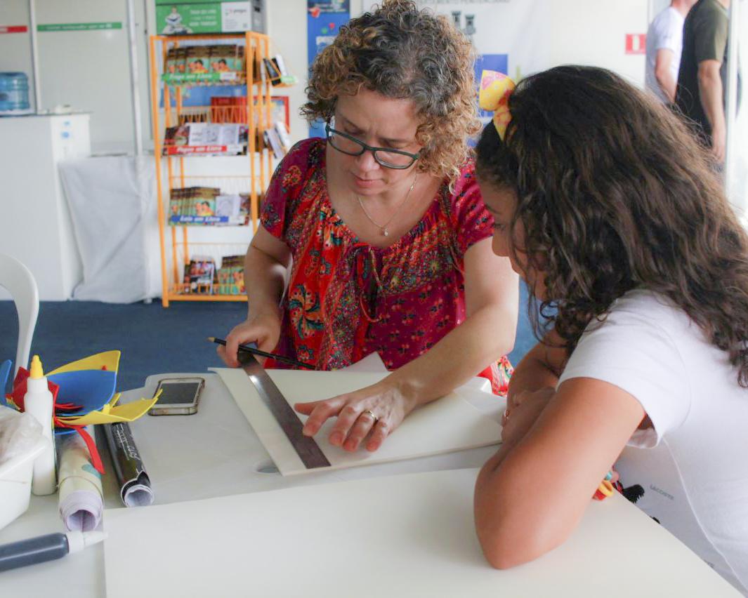 Reitor e MCG representam a UEPG na Feira do Livro